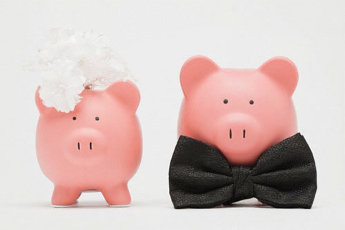 Life With Isabelle | Importance of a wedding budget - wedding piggy banks