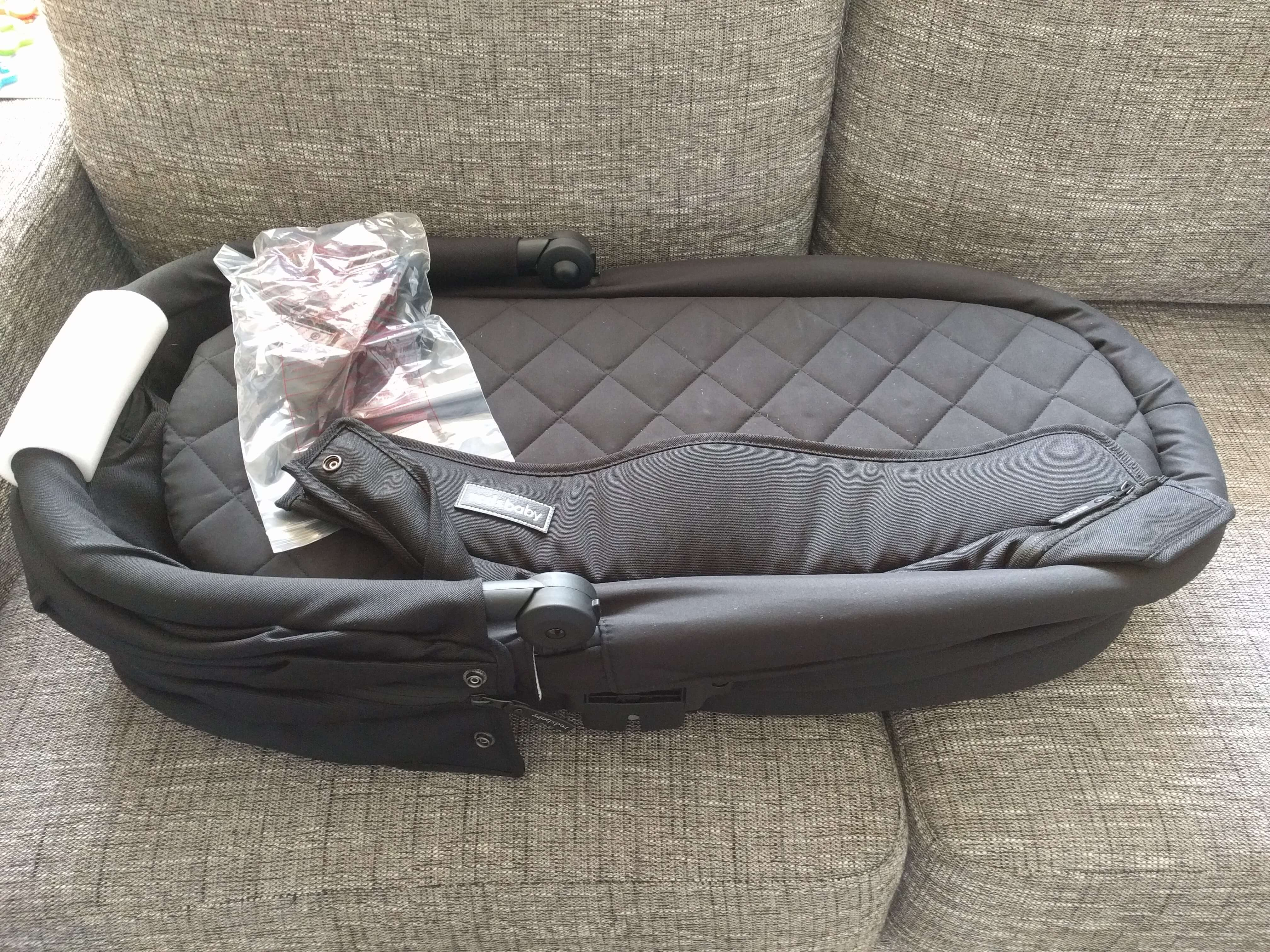 Redsbaby Jive review - bassinet disassembled