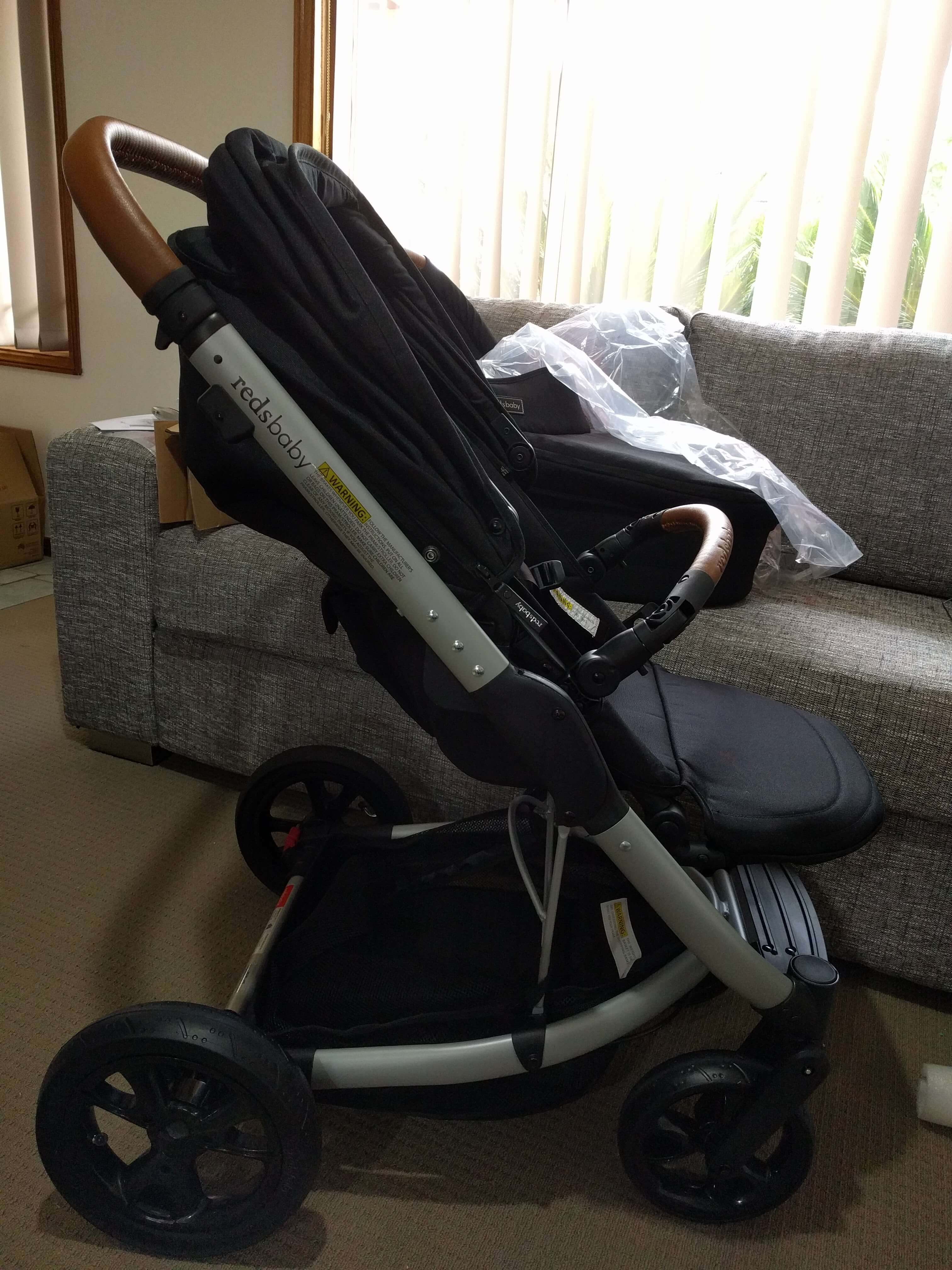 Redsbaby Jive review - side view of the pram